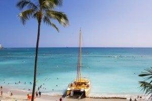 This Island Life | Playtime on Waikiki Beach with Havaianas