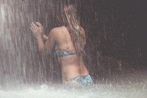 Bikini Love: Chasing waterfalls in Hawaii with Jets Swimwear
